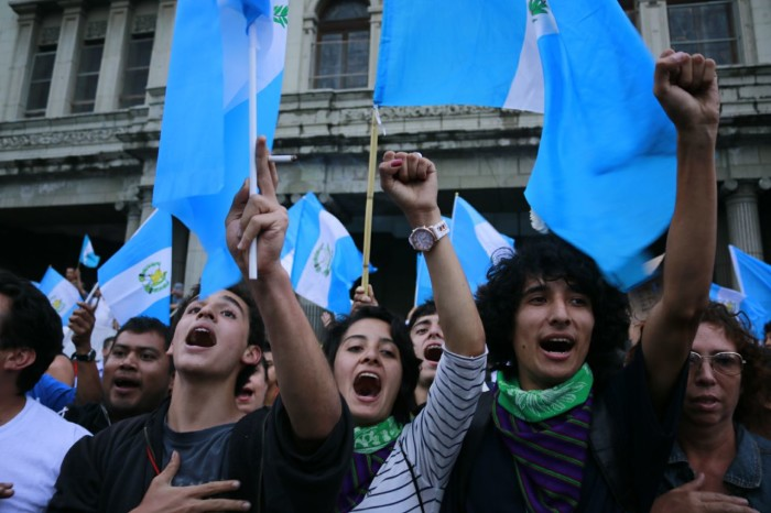 Young people at rally, Guatemala City, 1 September 2015. Photo by Centro de Medios Independientes.